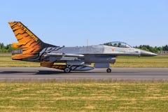 从荷兰-英国皇家空军的F-16 库存图片