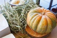 从蔬菜和水果的装饰在庆祝oktoberfest时 库存照片