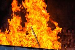 从蜡烛燃烧的火焰在我们的夫人圣所的  免版税库存照片