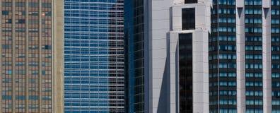 从街市布宜诺斯艾利斯的高楼 免版税图库摄影