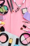 从装饰化妆用品的框架,拷贝空间 免版税库存图片