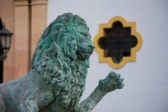 从赫拉克勒斯喷泉的狮子雕塑在索乔尔罗广场 库存照片