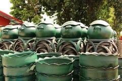 从轮胎的被回收的容器 库存图片