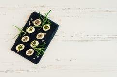 从软干酪的微型开胃菜用香料 免版税库存照片