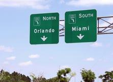 从迈阿密的佛罗里达收费公路向奥兰多 免版税库存图片