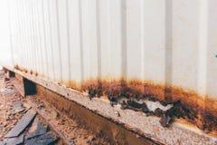 从运输货柜的铁锈金属 库存照片