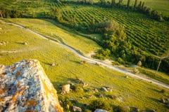 从道路的顶端看法 从山的峭壁的看法 图库摄影
