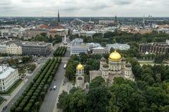 从里加的历史的中心的高度的看法在Latv 免版税库存图片
