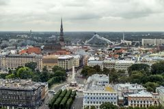 从里加的历史的中心的高度的看法在Latv 库存照片