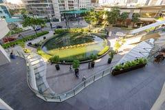 从镇购物中心二楼的2月20,2017喷泉,达义市市 免版税库存照片
