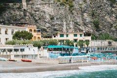 从阿马尔菲海岸,褶皱藻属,意大利的米诺利和马奥莱海滩 库存图片