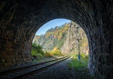 从隧道的看法 免版税库存图片