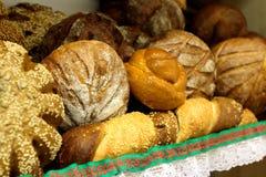 从面粉的不同的可口面包店产品最高 免版税库存图片