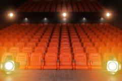 从音乐厅阶段或剧院的看法有红色的供以座位  免版税库存照片