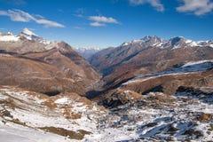从马塔角冰川天堂的惊人的全景向策马特,阿尔卑斯 库存照片