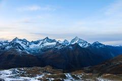 从马塔角冰川天堂的惊人的全景向策马特 图库摄影