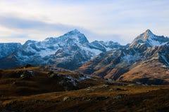 从马塔角冰川天堂的惊人的全景向策马特 免版税库存图片