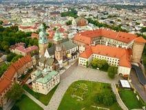 从高度的空中照片在历史的铈的Wawel城堡 库存照片