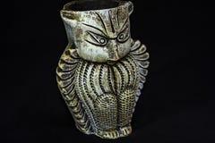 从黏土做的赤土陶器猫头鹰 库存例证