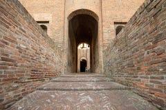 从14世纪防御Estense,四耸立的堡垒,费拉拉,伊米莉亚罗马甘 免版税库存照片