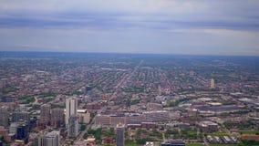 从-惊人的鸟瞰图上的芝加哥 影视素材