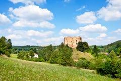 从1383的哥特式城堡Krakovec在Rakovnik,捷克共和国附近 库存照片