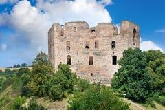 从1383的哥特式城堡Krakovec在Rakovnik,捷克共和国附近 免版税库存照片