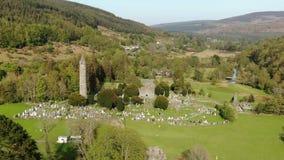从-飞行上的Glendalogh在爱尔兰威克洛山的著名地标 影视素材