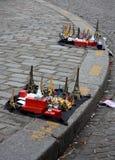 从巴黎和埃佛尔铁塔的小的纪念品 免版税库存图片