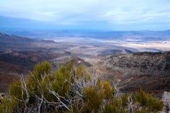 从Aguereberry点,死亡谷国家公园的看法 库存图片