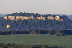 从Bastei, Sachsische Schweiz的易北河视图 免版税库存图片