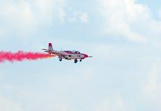 从Bialo-Czerwone Iskry小组的TS-11 Iskra喷气机 库存图片