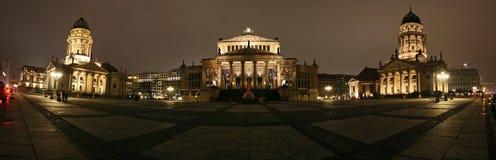 从gendarmenmarkt柏林德国的全景 库存照片
