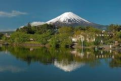 从Kawaguchiko湖的挂接富士在日本 免版税库存照片
