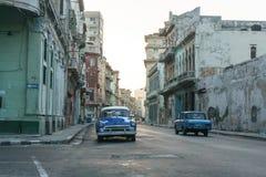 从La哈瓦那中心,牛奶店古巴生活的街道视图,移动一般成象,古巴 免版税库存照片