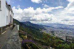 从Monserrate小山的城市视图在波哥大 免版税库存照片