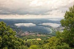 从Monte巴尔科罗拉多岛地方公园的看法,意大利 免版税库存照片
