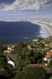 从Palos Verdes的海岸线向圣莫尼卡 免版税库存图片