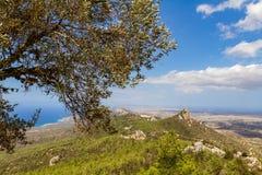 从Pentadaktylos山的全景, Kantara地区, Cypru 免版税图库摄影