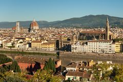 从Piazzale米开朗基罗的鸟瞰图在佛罗伦萨在一个晴天在秋天 免版税库存图片
