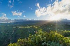 从Pico de Bandama,大加那利岛,西班牙的美丽的景色 免版税库存照片