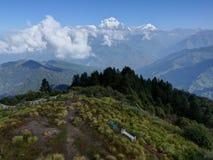 从Poon小山,尼泊尔的道拉吉里峰范围 库存照片