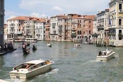 从Rialto桥梁,威尼斯的看法 免版税库存照片