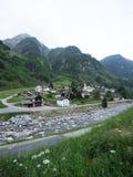 从Rossa村庄的小山的看法 免版税库存照片