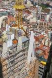 从Sagrada FamÃlia的寺庙的高度的城市风景 巴塞罗那 免版税库存照片