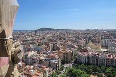 从Sagrada FamÃlia的寺庙的高度的城市风景 巴塞罗那 图库摄影