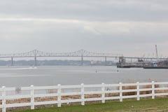 从Sewaren新泽西的Outerbridge横穿 免版税库存照片