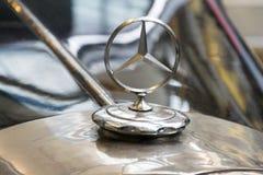 从SSObergruppenfuhrer使用的1939的奔驰车540 K汽车卡尔・赫曼・法兰克在全国技术博物馆站立 免版税库存照片