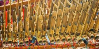 从sunda西部Java的Angklung传统印度尼西亚音乐由竹子做了在中爪哇省 免版税库存照片