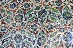 从Topkapi的东方无背长椅陶瓷砖视图 免版税库存照片